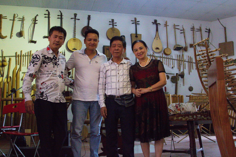 Vu Ba Pho family - Jewel Tours Director
