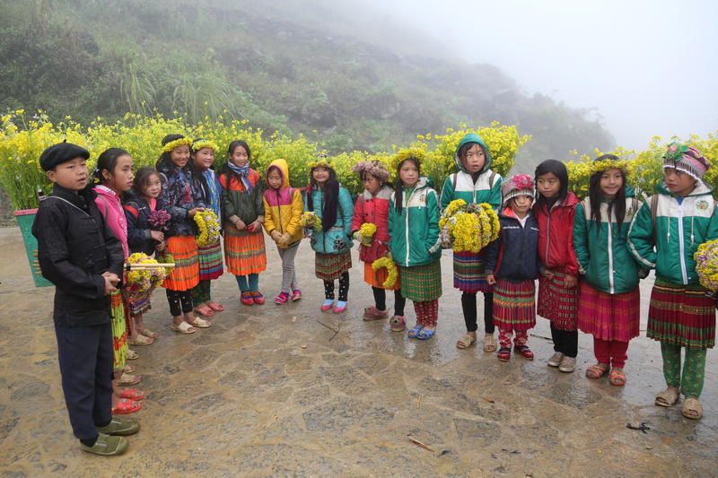 H Mong children in Ha Giang